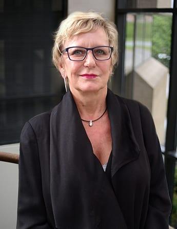 Susan King Headshot